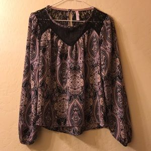 Paisley blouse with lace material